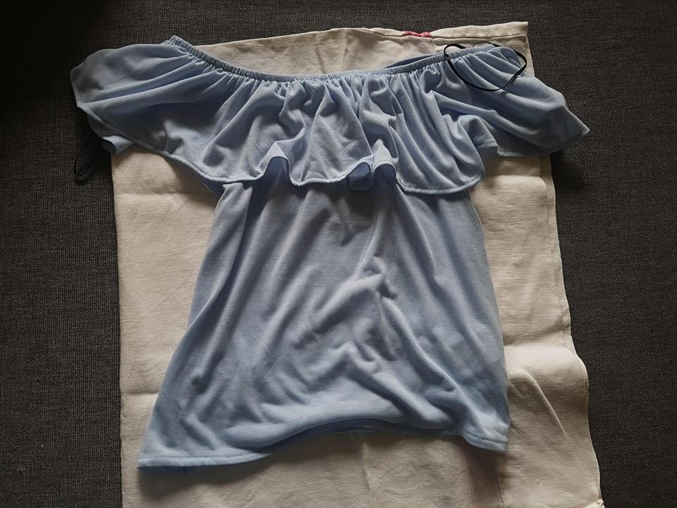 blå tröja