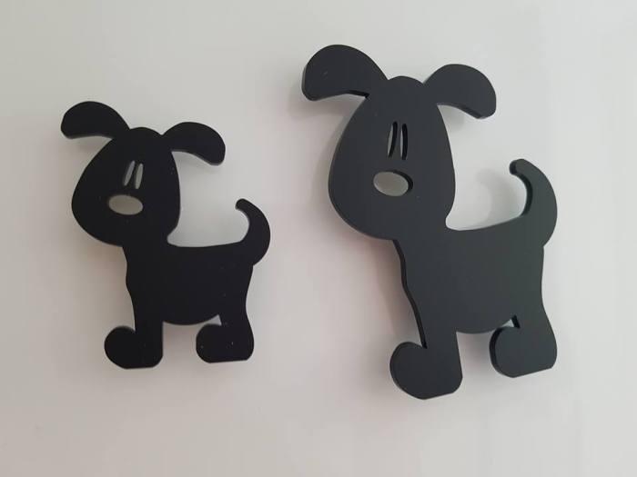två svarta hundar3